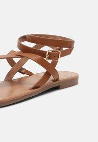 Even&Odd Wide Fit - T-bar sandals - cognac - 5