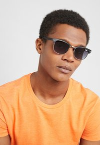 Superdry - LEO - Sunglasses - black/amber - 1
