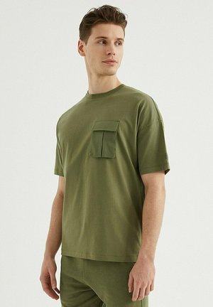 VITAL UTILITY - T-shirt basic - capulet olive