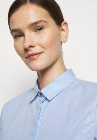 MAX&Co. - MESTRE - Button-down blouse - sky blue pattern - 3