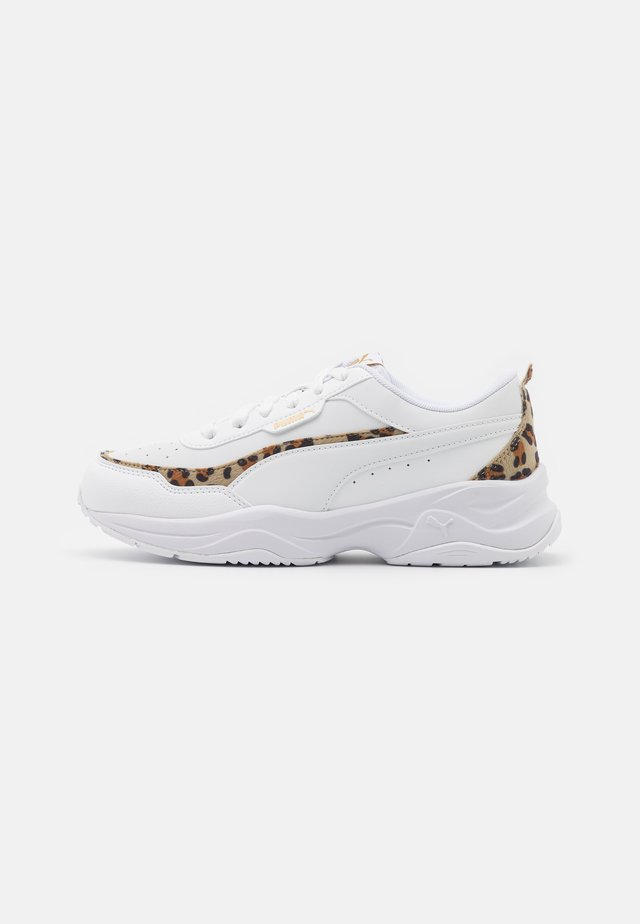 CILIA MODE LEO - Sneakers laag - white/team gold/black