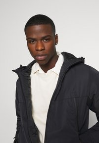 Jack & Jones - JCOBEATLE JACKET - Light jacket - black - 3