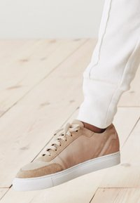 Next - SIGNATURE DETAIL  - Sneakers laag - brown - 0