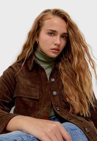 Stradivarius - Summer jacket - dark brown - 3