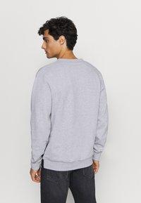 Lacoste - Sweatshirt - argent chine/noir/blanc - 2