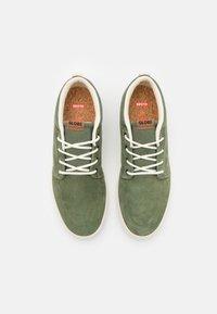 Globe - CHUKKA - Zapatillas skate - olive - 3