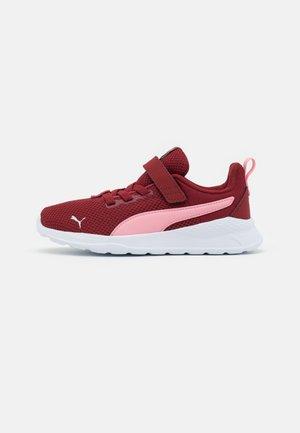 ANZARUN LITE UNISEX - Neutral running shoes - intense red/peony
