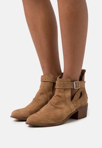 Musse & Cloud - DANEL - Ankle boots - brown - 0