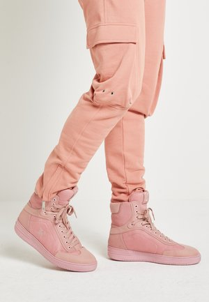 LEWIS HAMILTON MODERN HIGH TOP SNEAKER - High-top trainers - pink
