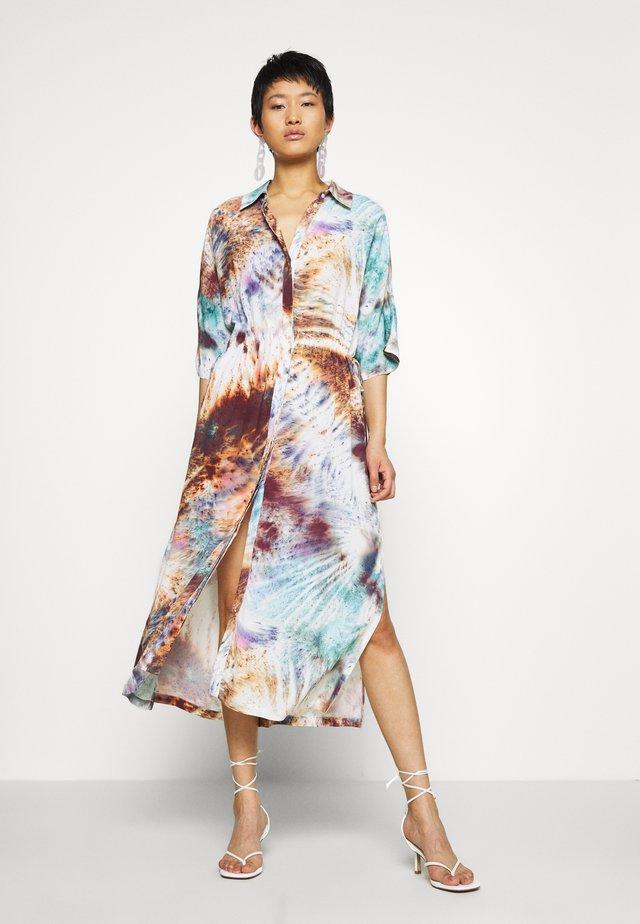CAT SHORT SLEEVE DRESS - Vestido camisero - multicolor