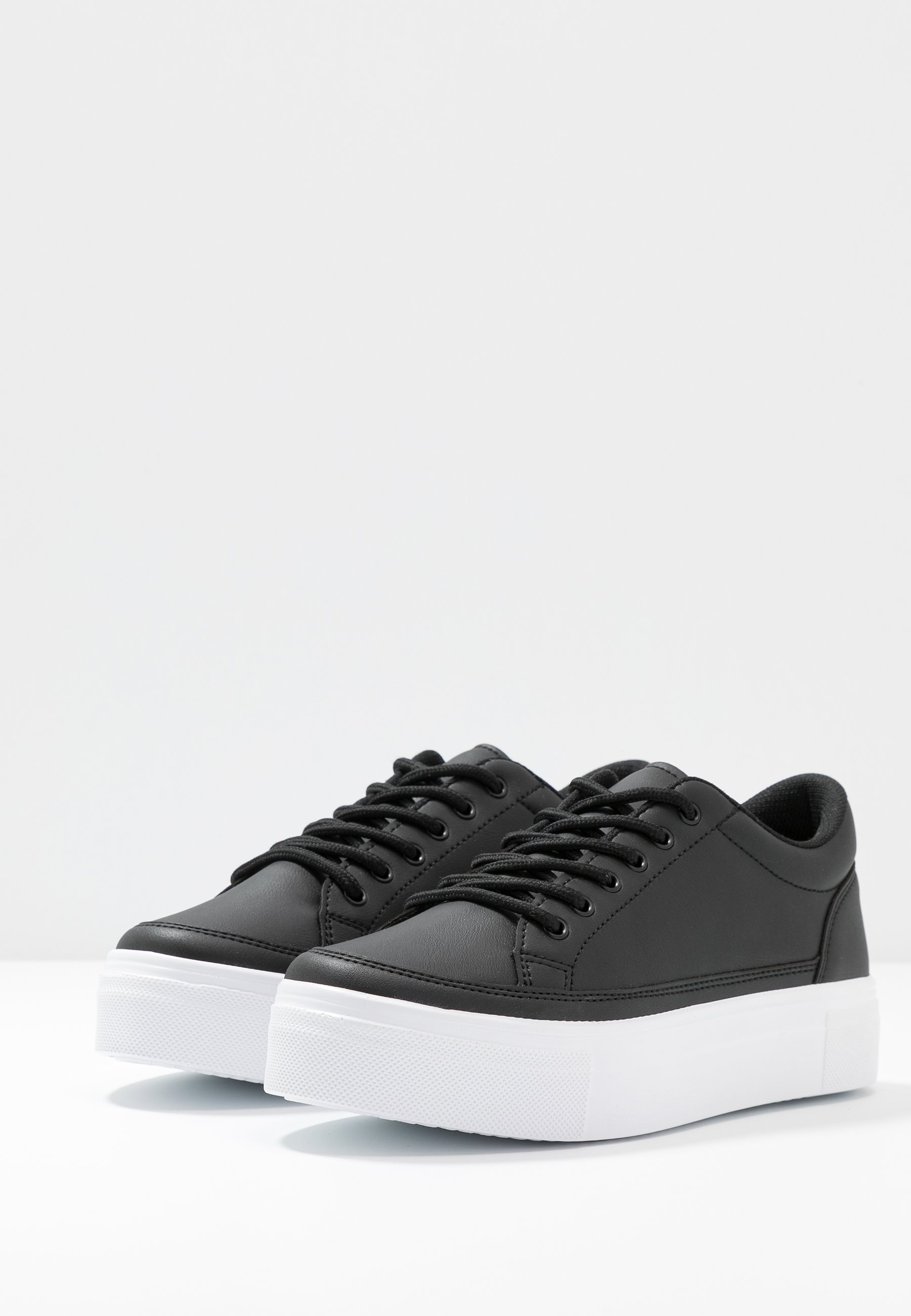 Nly by Nelly PERFECT PLATFORM - Baskets basses - black - Sneakers femme De gros
