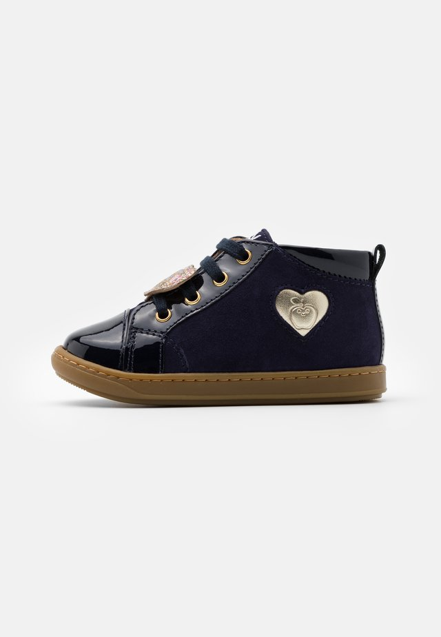 BOUBA HEART - Baby shoes - navy/platine