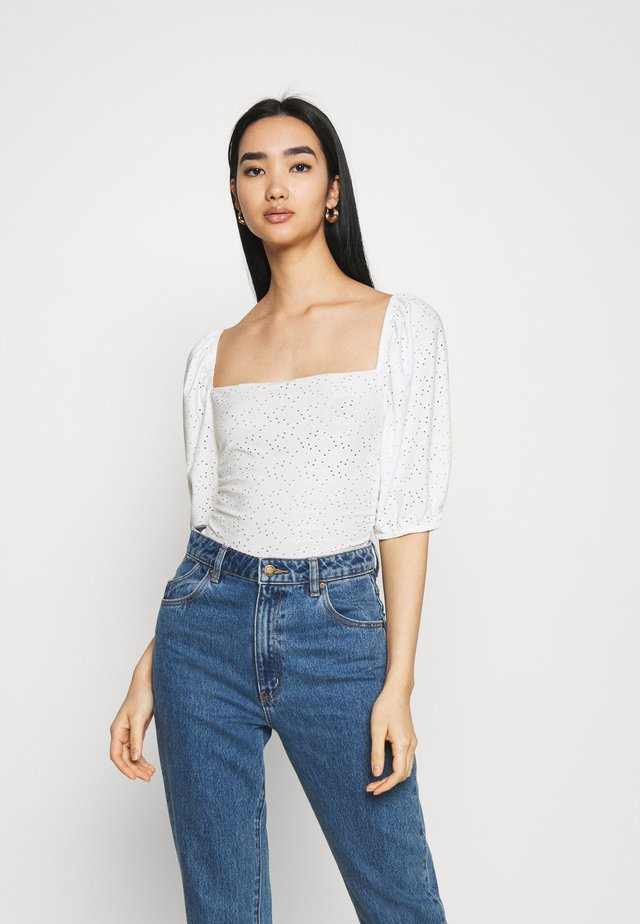 MILKMAID BRODERIE CROP - T-shirt à manches longues - white