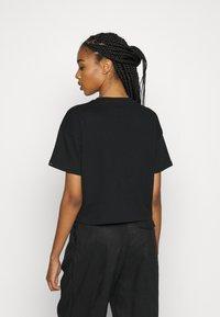 Alpha Industries - BOXY - Print T-shirt - black - 3