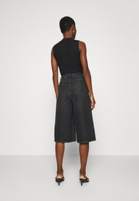 Gestuz - DACYGZ  - Denim shorts - dark black - 2