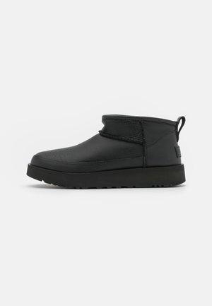 CLASSIC SUGAR ULTRA MINI SUSTAINABLE - Boots à talons - black