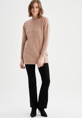 REGULAR FIT  - Stickad tröja - bordeaux