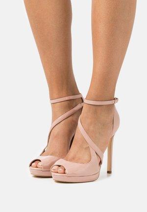 FINNEA - Sandalen met hoge hak - natu