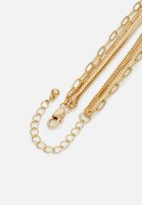 Pieces - PCULLA COMBI NECKLACE D2D KEY - Necklace - gold-coloured - 1