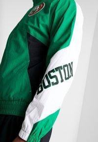 Mitchell & Ness - NBA BOSTON CELTICS MIDSEASON 2.0 - Verryttelytakki - green - 4