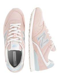 New Balance - Trainers - white - 1
