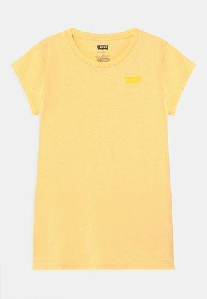 BATWING - T-shirt basique - golden haze