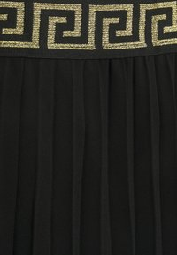 CAPSULE by Simply Be - PLEATED SKIRT WITH WAISTBAND - Pleated skirt - black - 2
