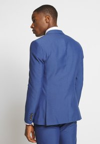 Isaac Dewhirst - PAIN SUIT - Completo - blue - 6