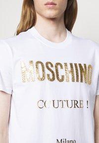 MOSCHINO - Print T-shirt - white - 3