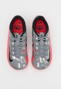 Nike Performance - MERCURIAL JR VAPOR 13 ACADEMY TF UNISEX - Astro turf trainers - metallic bomber grey/black/particle grey - 3