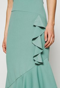 WAL G. - ZEKE FRILL MAXI DRESS - Sukienka z dżerseju - sage green - 5