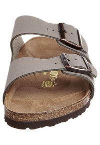 Birkenstock - ARIZONA NARROW FIT - Sandalias planas - stone - 3