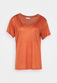 DEEP ONECK - Basic T-shirt - auburn