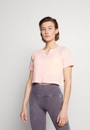 ALL THINGS FABULOUS CROPPED TEE - Print T-shirt - fairy tale