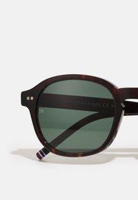 Tommy Hilfiger - UNISEX - Sluneční brýle - brown - 3