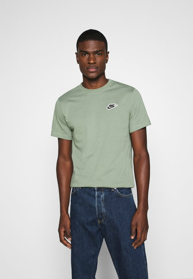 NEW MODERN TEE - Basic T-shirt - spiral sage
