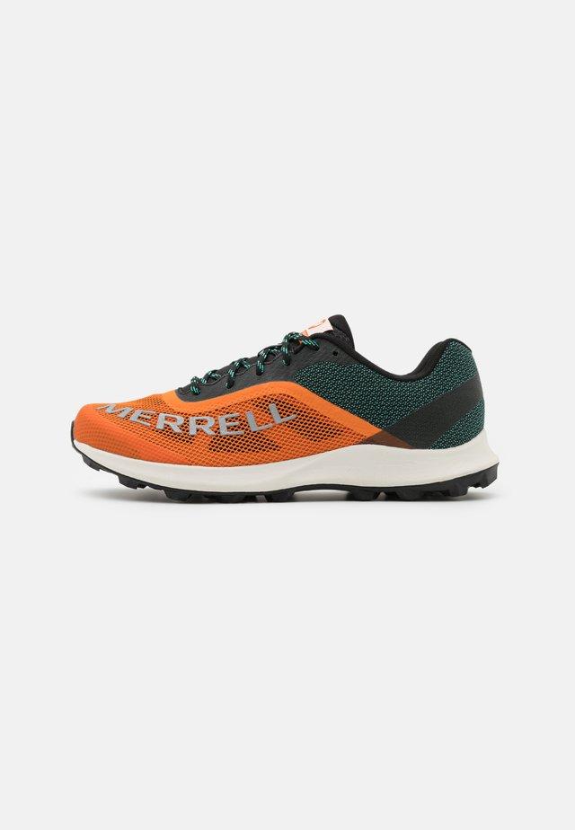 MTL SKYFIRE - Trail hardloopschoenen - orange