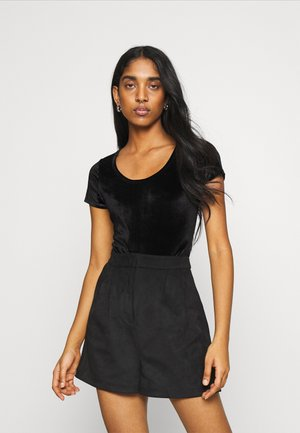SCOOP BODYSUIT - Basic T-shirt - black