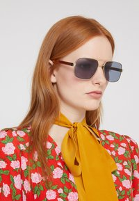 Gucci - Sunglasses - gold-coloured/crystal/grey - 3