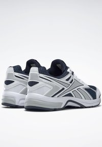 Reebok - QUICK CHASE - Sneakers - blue - 3