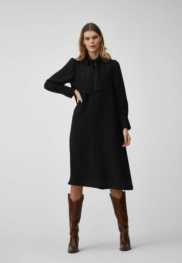 JILLA - Korte jurk - black