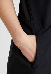 Houdini - DAWN DRESS - Sportovní šaty - true black - 4