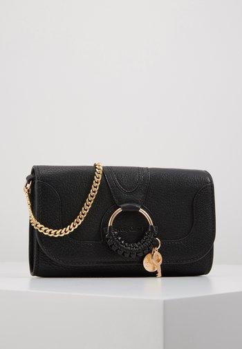 HANA Hana phone wallet - Clutch - black