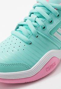 K-SWISS - COURT EXPRESS OMNI UNISEX - Multicourt tennis shoes - aruba blue/soft neon pink/white - 2