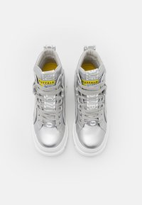 Buffalo - VEGAN ASPHA MID - Platform ankle boots - silver - 5