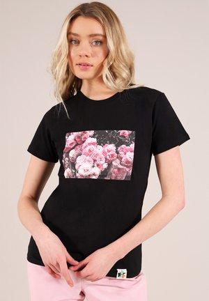 ROSE GARDEN - Print T-shirt - black