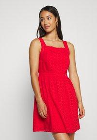 Superdry - BLAIRE BRODERIE DRESS - Denní šaty - apple red - 0