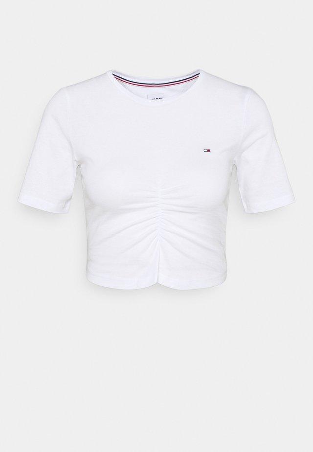 CROP RUCHE - T-shirts med print - white