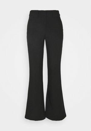 YASNUTEO FLARE PANT - Bukser - black