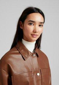 Bershka - CROPPED AUS - Faux leather jacket - brown - 3